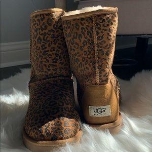 UGG Australia size 8 classic short cheetah boots